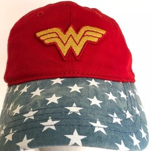 Accessories - Wonder Woman Cap